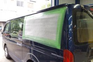 トヨタ ハイエース200系標準 クォーターガラス交換