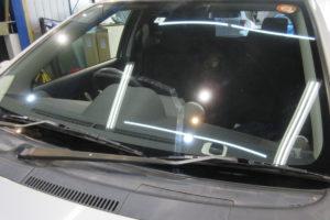 トヨタ イストNCP60 フロントガラス交換