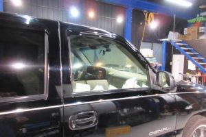 GMC ユーコン 透明断熱フィルム施工