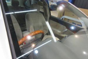 トヨタ プレミオ フロントガラス交換