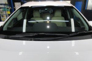 トヨタ プリウスα フロントガラス交換SUNTECT