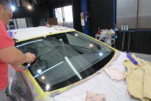 トヨタ プリウス30 フロントガラス磨き