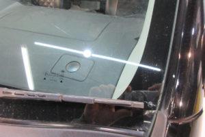 日産 NV350キャラバンE26 フロントガラス交換SUNTECT