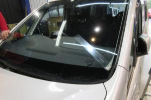 日産 セレナC26 フロントガラス交換