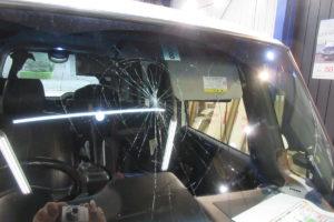 ホンダ N-BOX JF1 フロントガラス交換