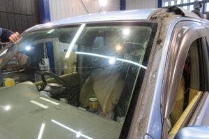 ホンダ ステップワゴンRF3 フロントガラス交換