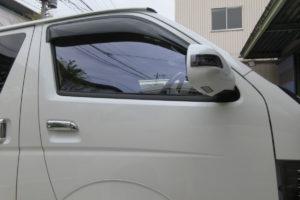 トヨタ ハイエース200系標準 サイドガラス交換