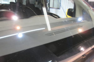 日産 セレナC25 フロントガラス交換