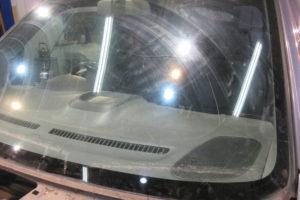 スズキ ワゴンR フロントガラス交換1