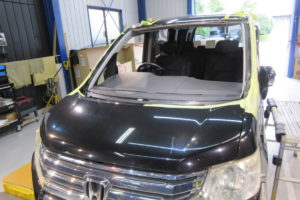 ホンダ ステップワゴンRK5 フロントガラス交換