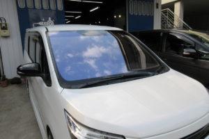 トヨタ エスクァイア フロントガラス交換COATTECT