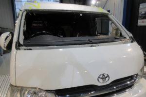 トヨタ ハイエースワイド フロントガラス交換SUNTECT