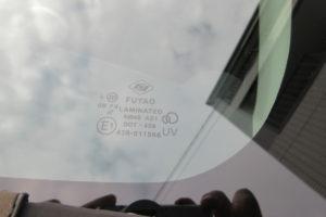 トヨタ イストNCP60(後期) フロントガラス交換