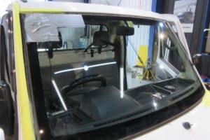 日産 クリッパートラック フロントガラス交換