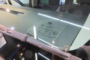 ホンダ バモスHM2 フロントガラス交換