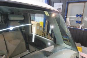 ダイハツ タントLA600S フロントガラス交換