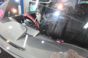 トヨタ bB フロントガラス交換