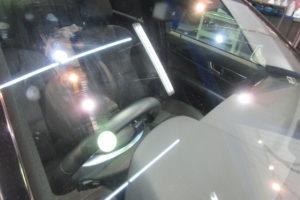 メルセデスベンツ C200 フロントガラス磨き