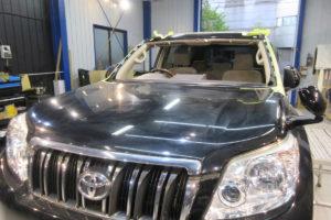 トヨタ ランドクルーザープラド150 フロントガラス交換