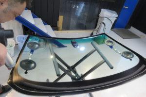 BMW 5 ツーリング フロントガラス交換