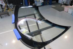 BMW ミニ コンバーチブル フロントガラス交換COATTECT