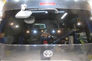 トヨタ ハイエースワイド リアガラス交換