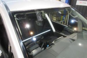 トヨタ ヴォクシー70 サンテクト断熱フロントガラス交換
