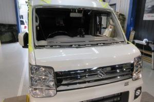 スズキ エブリィワゴンDA17 コートテクト熱反射フロントガラス交換