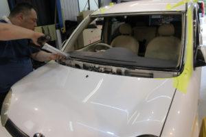 トヨタ シエンタ80系 フロントガラス交換