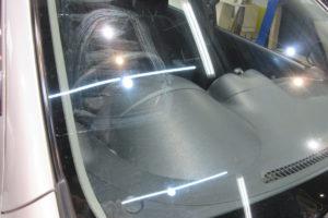 日産 マーチK13 フロントガラス交換