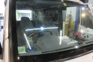 三菱 ミニキャブU60系 フロントガラス交換